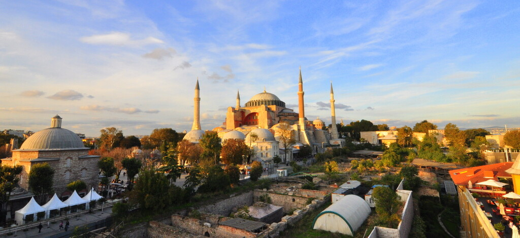 Ayasofya Tarihi ve Mimarisi