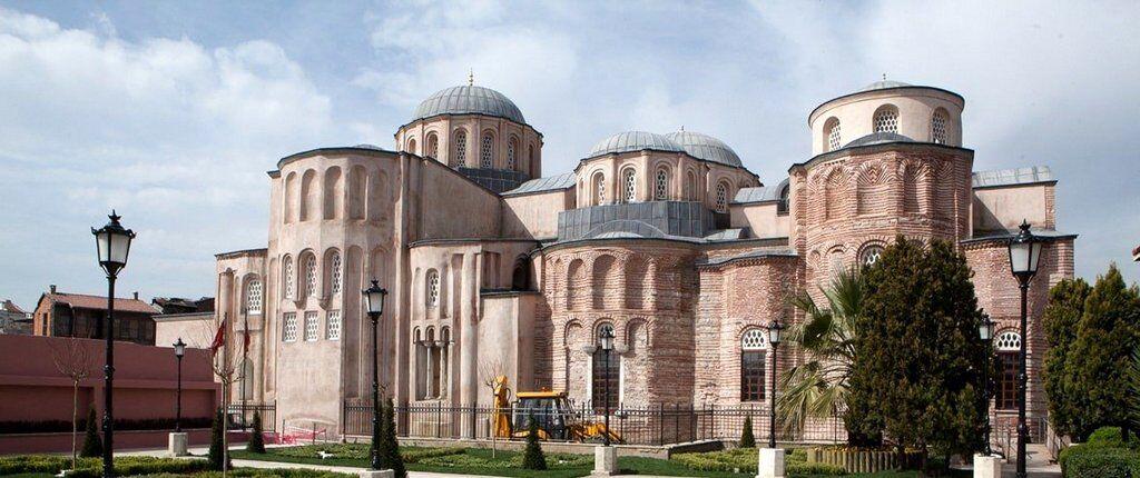 Pantokrator Manastır Kilisesi Tarihi